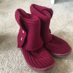 Worn in uggs that are still in great condition!